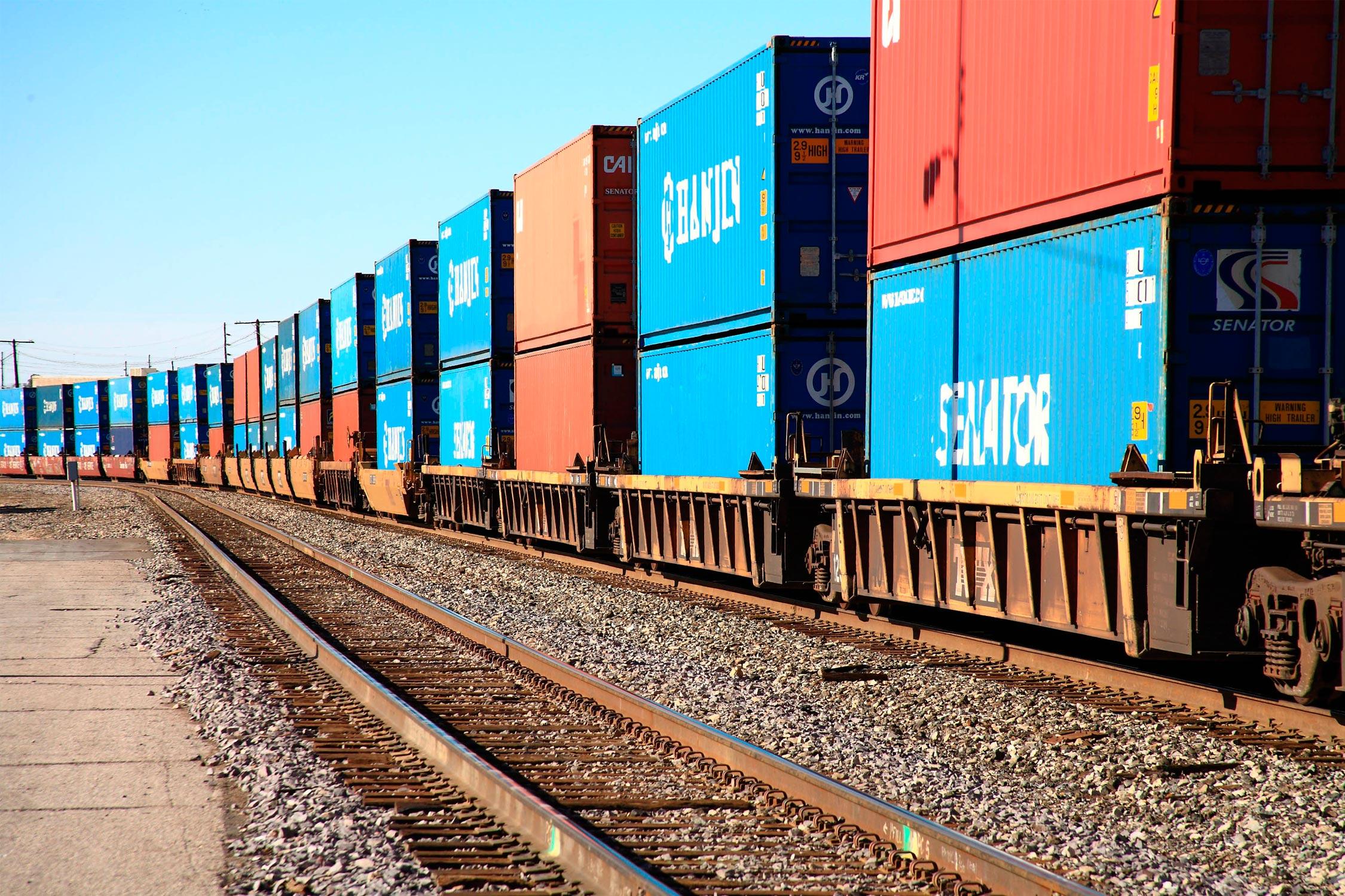 """俄铁路集装箱运输公司:应沿""""滨海-2""""国际交通运输走廊开展定期运输"""